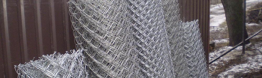 Сетка рабица, используется при строительстве